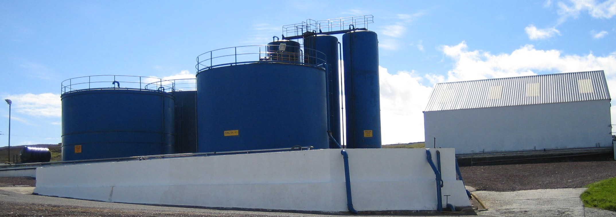 fuel_-_fish_oil_storeage_tanks_and_bund-1-2
